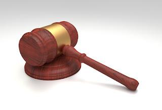 Nosotros no tenemos derecho a juzgar a nadie.