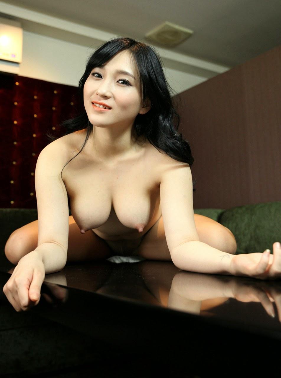 Sexy nude photoshoot-8310
