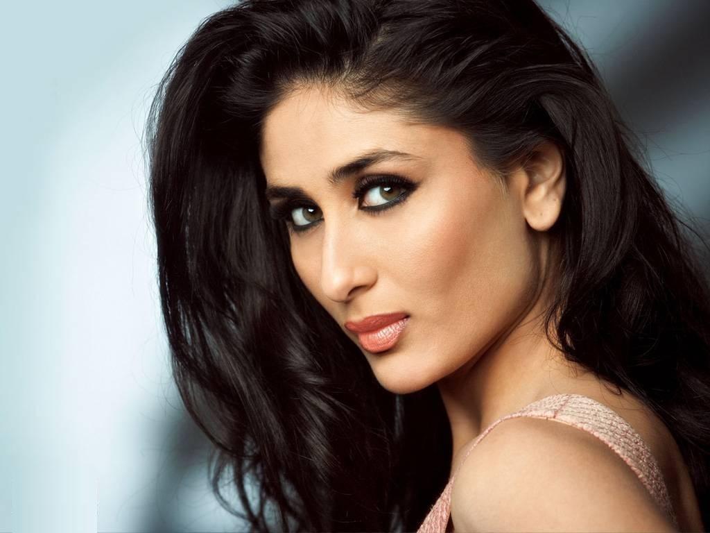 Kareena Kapoor Sexy Bollywood Actress HD Wallpapers