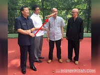 Seram! Ada Penampakan Tangan Melayang di Foto Sekda Jabar, Begini Tanggapan Netizen