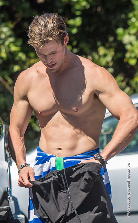 chris-hemsworth-sydney-surfing