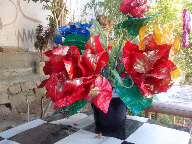 Dengan Sentuhan Kreatifitas Sampah Bisa Membawa Rezeki
