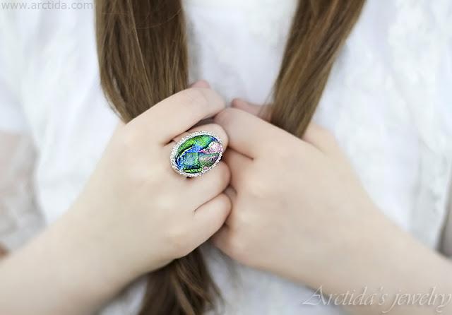 https://www.arctida.com/en/home/138-dichroic-glass-fine-silver-cocktail-ring.html