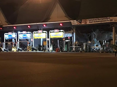 Gambar Plaza Tol Bukit Raja, Klang Selepas Kena Ribut Semalam 24.8.2018