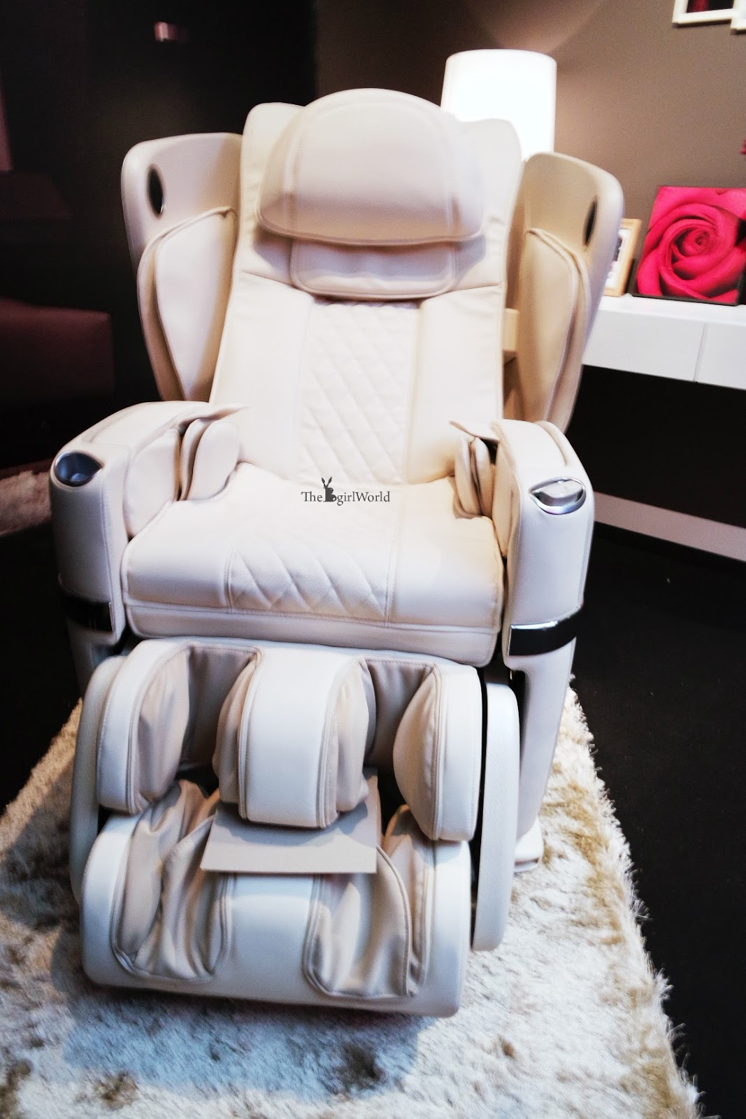 asian massage chairs outdoor wooden rocking canada osim ulove experience the world 39s most pampering