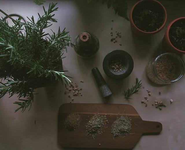 3 przepisy na herbaty ziołowe