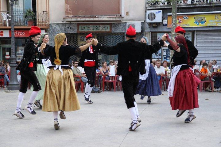d04a920b6c393 Catalunya. En mi primer post quiero hablar del traje regional catalán.