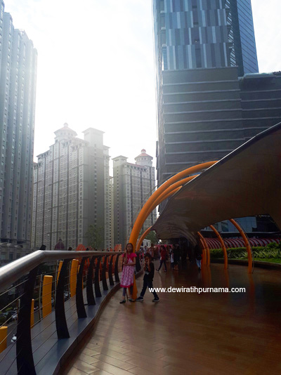 Eco Skywalk Neo Soho - Central Park Jakarta