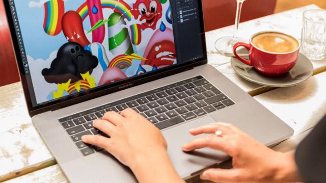 Apple Macbook Pro 15 2017 touchbar