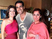 Akshay Kumar with his family