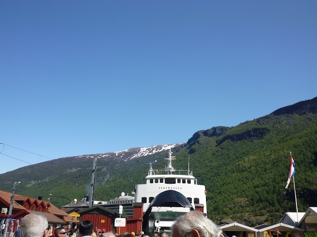 Barco que me llevará a Gudvangen (@mibaulviajero)