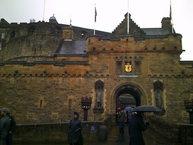 Edinburgh castle, entrance