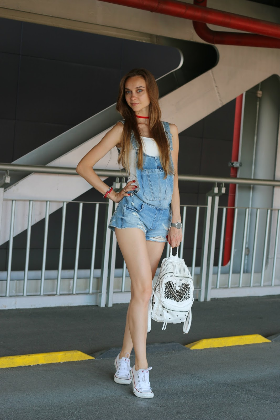 LookOn, look, lookbook, outfit, outfits, ootd, wiw, wiwt, style, fashion, fashion blog, fashion blogger, inspiration, patched overall, top, tank, backpack, converse sneakers, wiw, streetstyle, fashionblogger, styleblogger, summer outfit