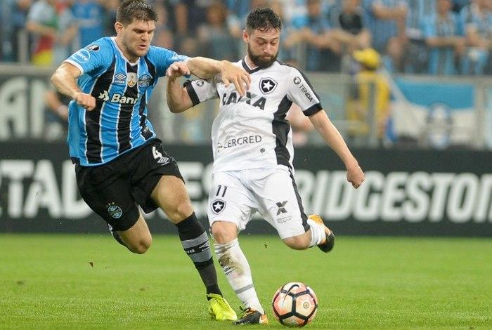 d2a2650aeeceb Deu Grêmio no choque entre brasileiros das quartas de final da Copa  Libertadores da América. Na Arena