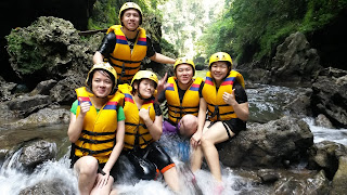 keseruan body rafting green canyon
