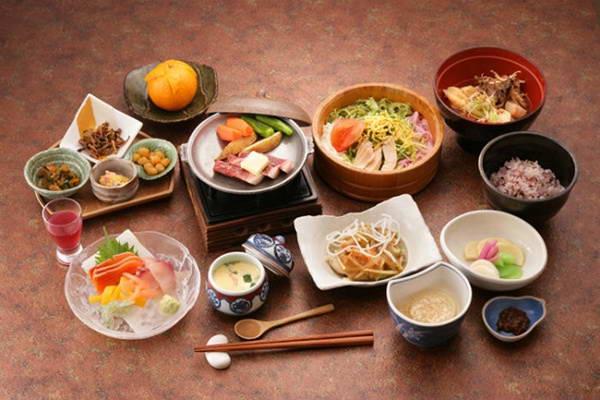 Muốn giảm cân hãy học cách ăn uống của người Nhật