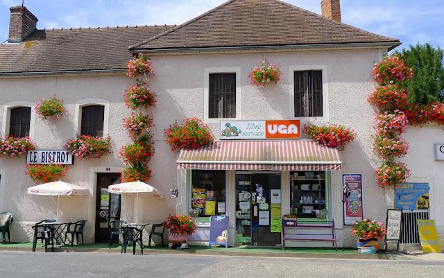 De Paris à Narbonne en vélo, Pierrefitte-sur-Loire