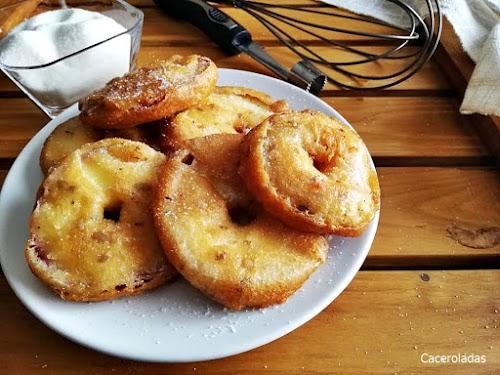 Rodajas de manzana rebozadas y crujientes