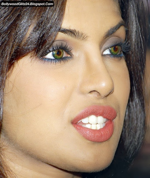 Priyanka Chopra Hot Lips Pics 2016