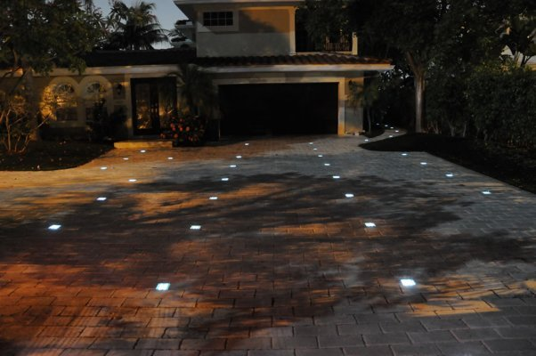 Custom Stoneworks Amp Design Inc 6x9 Paver Solar Lights