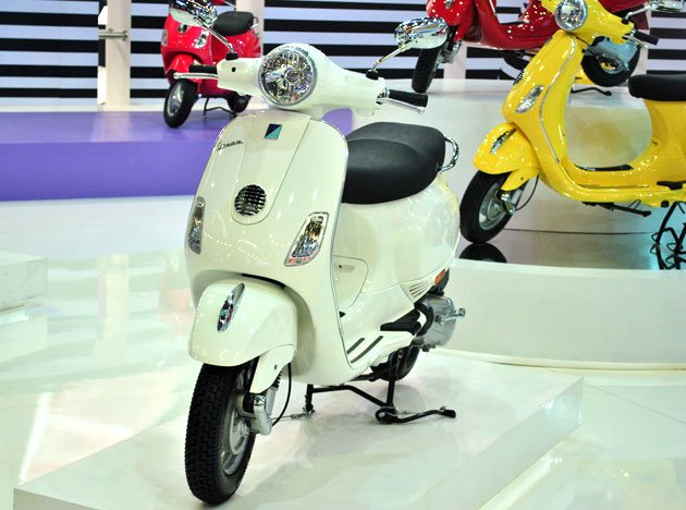 my news: vespa scooter india - more pictures