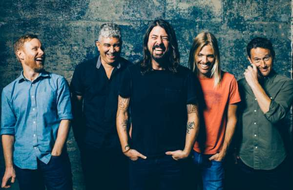 "FOO FIGHTERS: Video για το νέο κομμάτι ""The Sky Is A Neighborhood"""