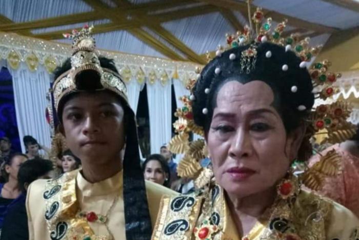 Viral Foto Pernikahan Seorang Nenek dan Pemuda di Bone, Ternyata Ini Fakta Sebenarnya