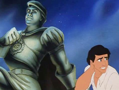 Eric y su estatua en La sirenita - Cine de Escritor