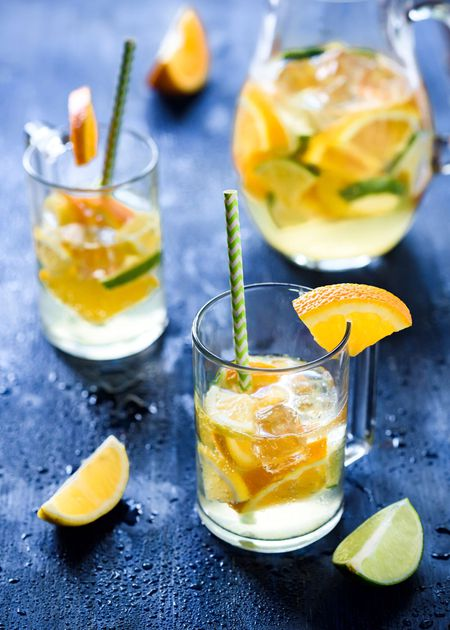 Easy Citrus White Wine Sangria #drink #sangria
