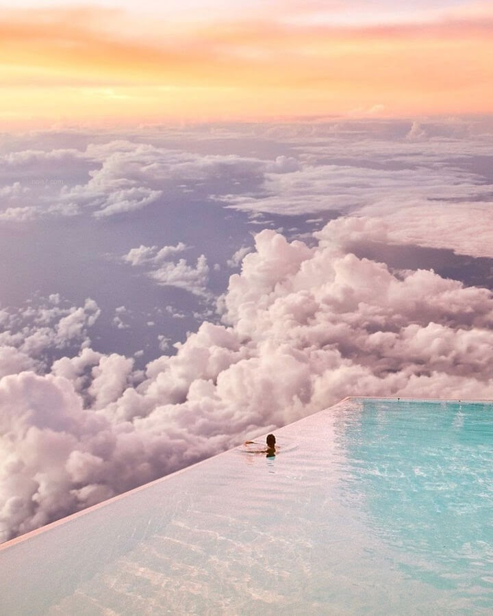 10-Holidays-in-the-clouds-Robert-Jahns-www-designstack-co