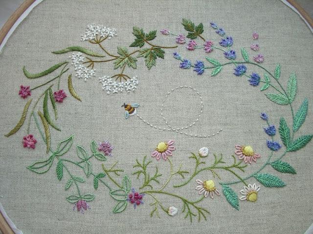 вышивка цветочный венок