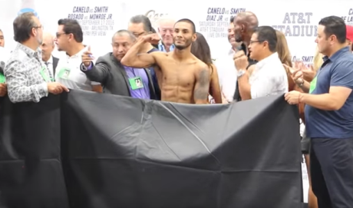 Boxer Andrew Cancio gets completely naked for weigh-in... and accidentally shows the crowd everything (photos/video)