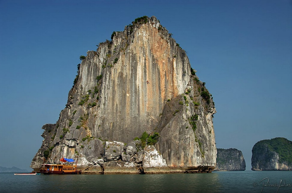 Off the tourist track in Vietnam's Halong Bay