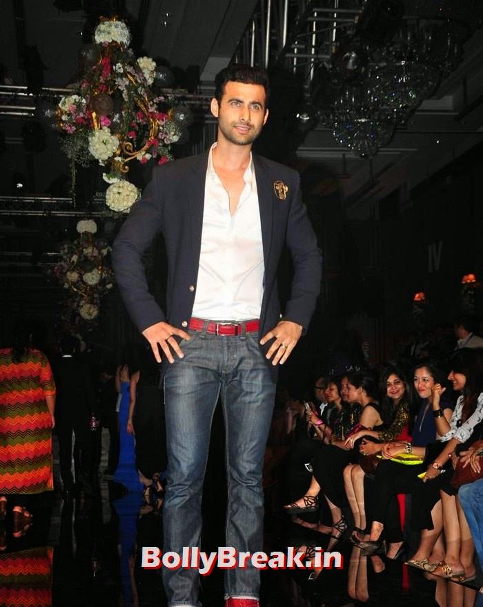 Celebs at Manish Malhotra Show, Pics of Manish Malhotra Show at Lakme Fashion Week 2014