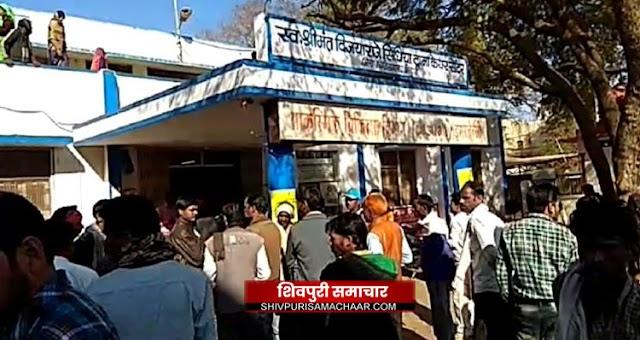5 के सस्पेंड होने के बाद नहीं सुधर रहा अस्पताल प्रबंधन, गंदगी देख CMHO ने ठोका जुर्माना | Shivpuri News