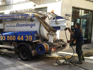 Limpieza con camión cisterna en Martorell