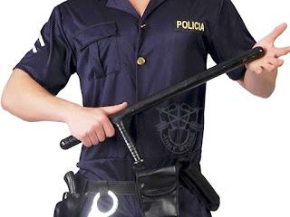 """Policías deberán usar macanas de manera obligatoria para """"el uso racional de la fuerza"""""""