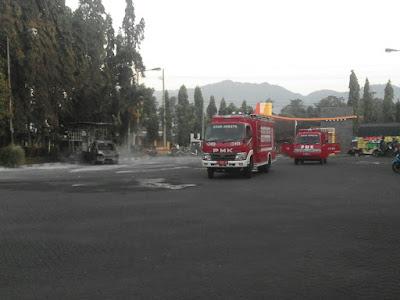 Kebakaran Mobil Di SPBU Tapen