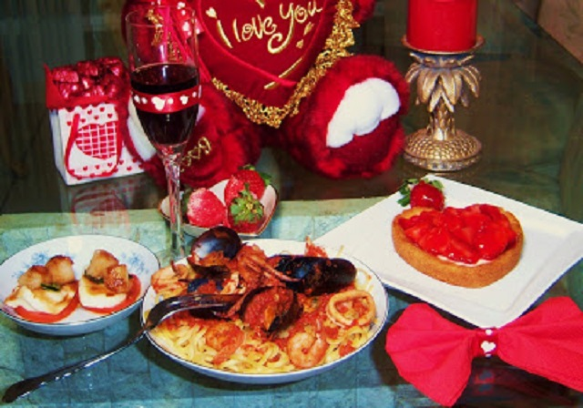 A romantic Valentine's Day dinner with all the trimmings from seafood , desserts and a romantic setting for two. There is a mussels, calamari all n a rich marinara sauce. A heart shaped pastry cream filled cake and delicious sea scallops in a balsamic reduction. To end your evening white chocolate covered strawberries