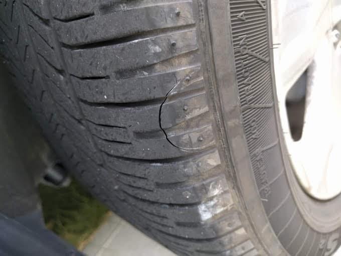 タイヤについた傷