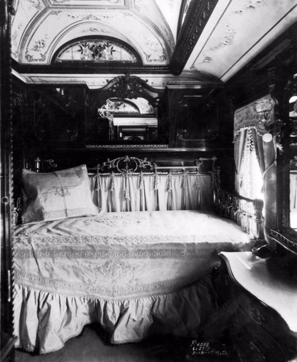 The Glory Days Of Train Travel: Inside The Pullman Train