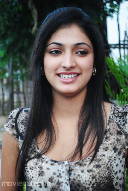 Indian Kannada Hot Actress Haripriya Latest Sexy Unseen -2637