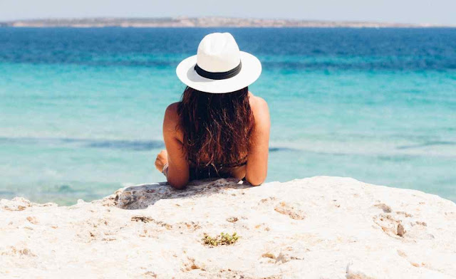 Tips for protecting your hair at the beach | A Relaxed Gal