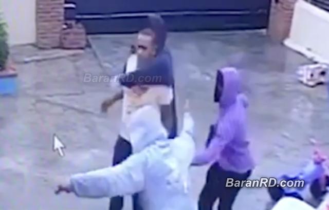 Video: Asaltantes amarran comerciante con su familia en SFM
