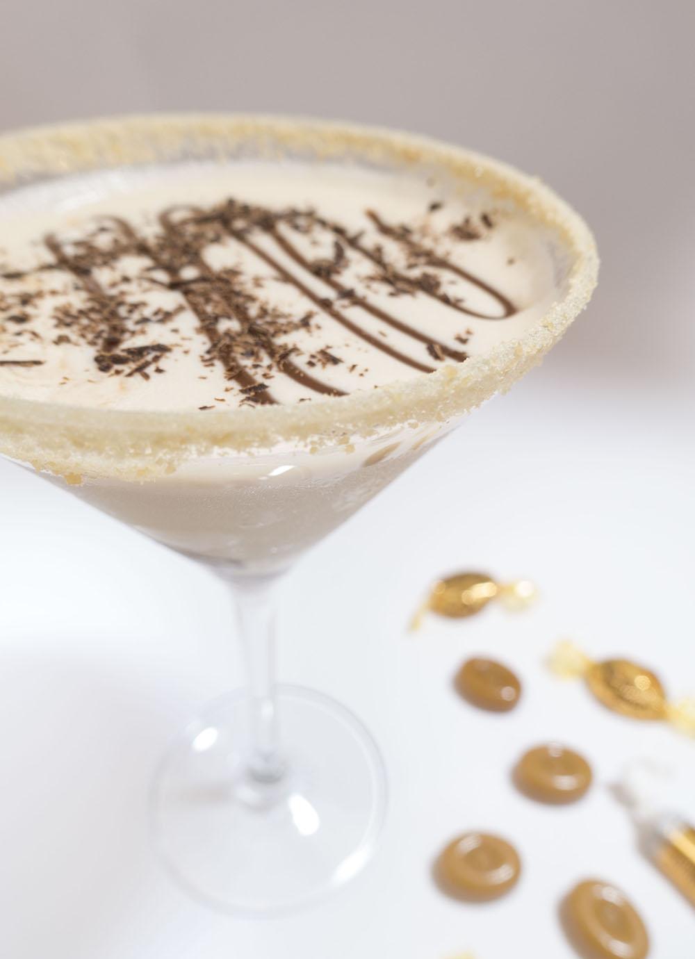 Salted Caramel Chocalatini | A Christmas Cocktail*