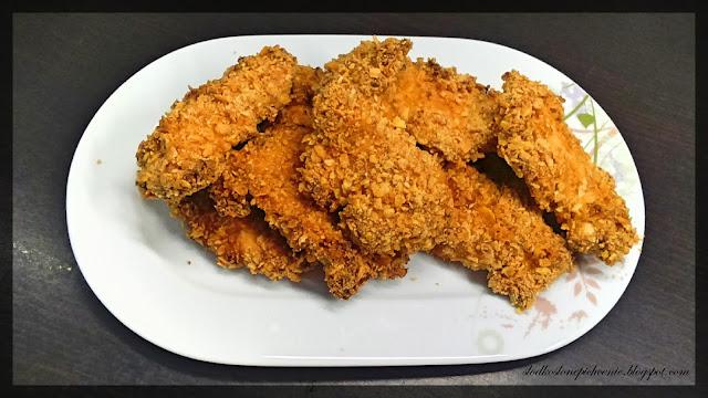 kąski kurczaka w płatkach kukurydzianych