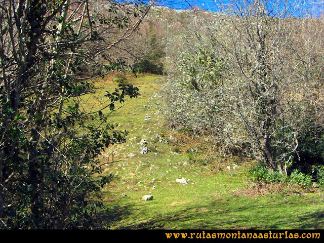 Ruta al Pico Pierzu: Ascendiendo al Pierzu por la sierra del Excueño