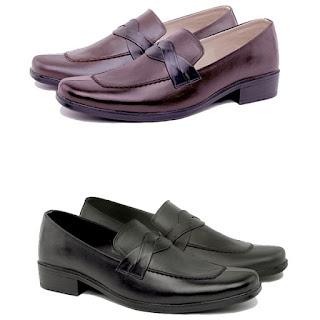 model sepatu kerja pegawai bank,sepatu kerja pria kulit,sepatu pantofel murah,grosir sepatu kerja murah,grosir sepatu kerja pria cibaduyut,gambar sepatu guru pria murah,gambar sepatu dinas PNS KUlit asli,model sepatu aladin tanpa tali
