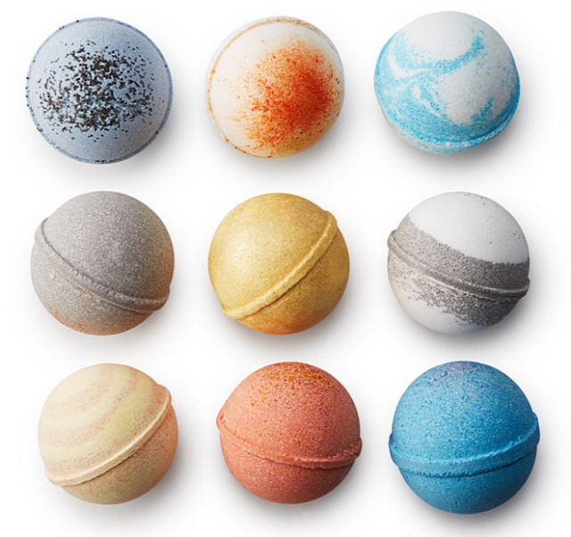 Solar System Bath Bombs Set from Uncommon Goods