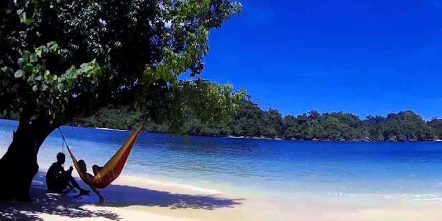 Objek Wisata Pantai Malang yang Bisa Menenangkan Pikiranmu